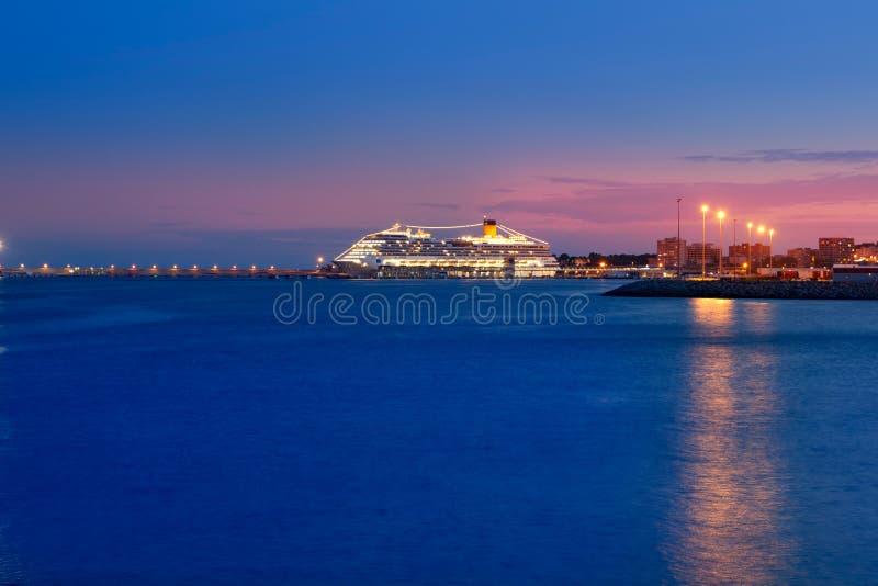 De haven van Majorca met nacht het gloeien licht in cruise royalty-vrije stock foto