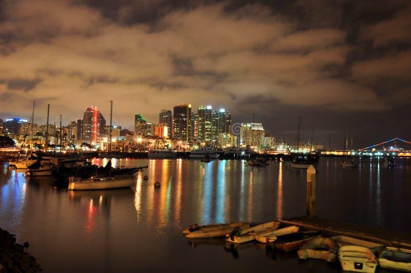 De haven van San Diego bij nacht stock afbeelding