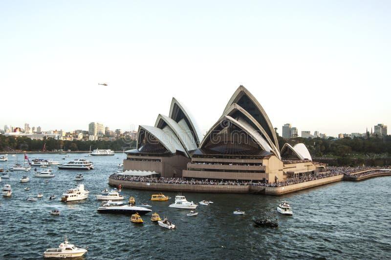 De haven van Sydney met Operahuis - panorama op 19 van Februari 2007 tijdens Koningin Elizabeth 2 het bezoek dat van het cruisesc royalty-vrije stock foto's