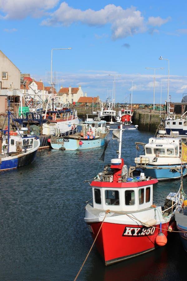 De haven van vissersbotenpittenweem, Fife, Schotland stock foto's