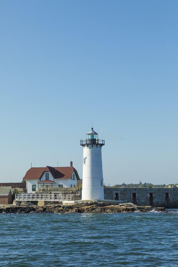 De Havenvuurtoren van Portsmouth en de Staat Histori van de Fortgrondwet stock afbeeldingen