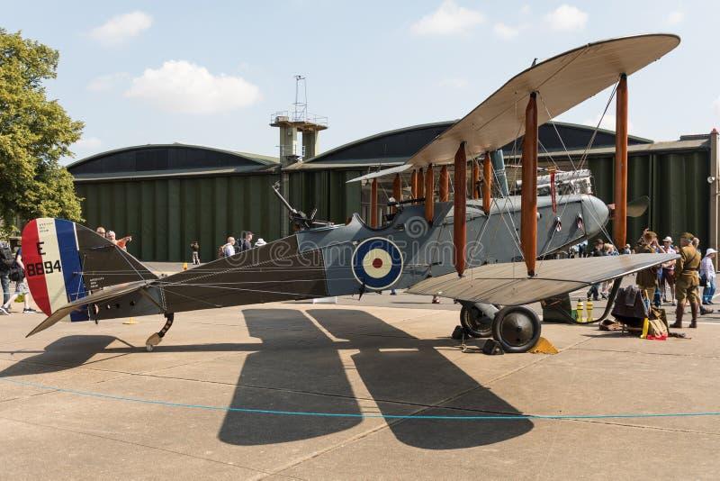 De Havilland DH-9 E-8894 i den statiska skärmen på IWMEN Duxford som flyger legendairshow, Cambridge, UK arkivfoto