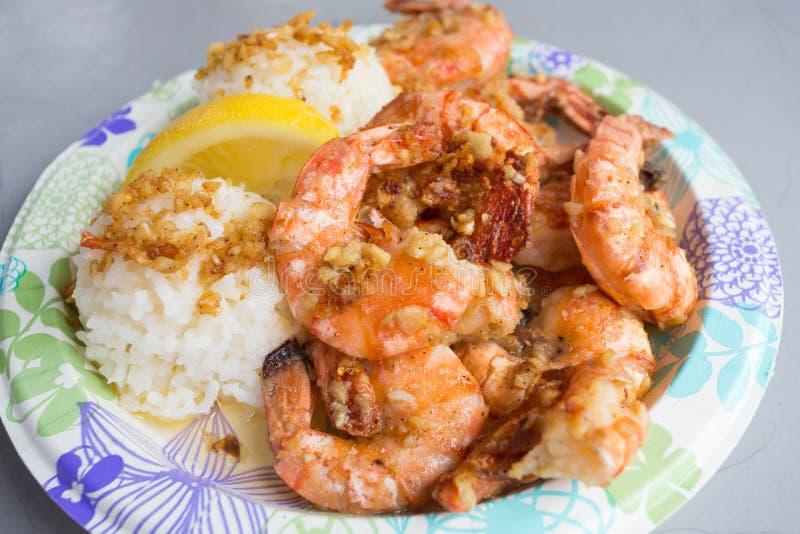De Hawaiiaanse Lunch van de Garnalenplaat stock afbeeldingen