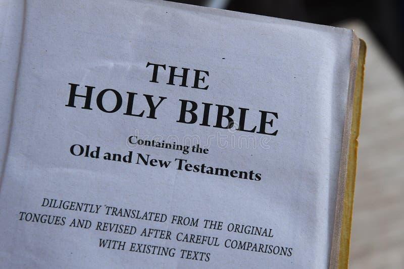 De heilige Bijbel royalty-vrije stock afbeelding