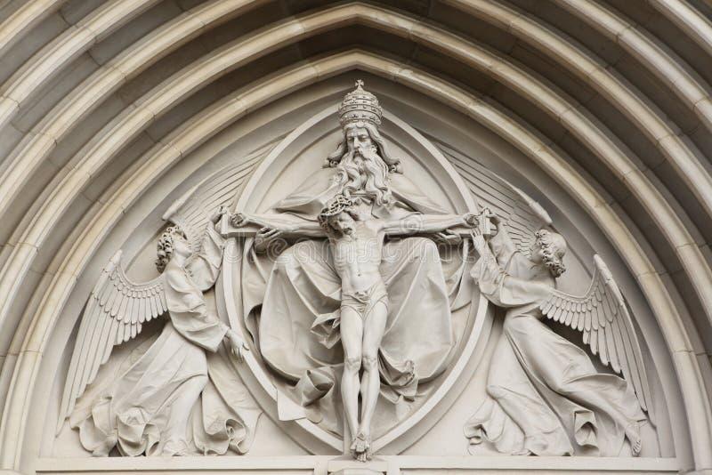 De heilige Drievuldigheid Gotische hulp in Heilige Wenceslas Cathedral binnen stock afbeeldingen