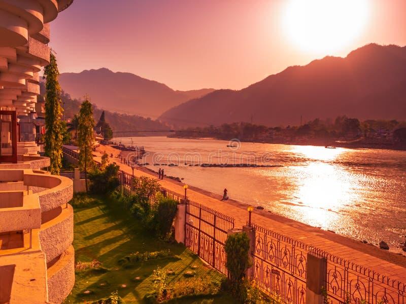 De heilige rivier van Ganges stock afbeelding