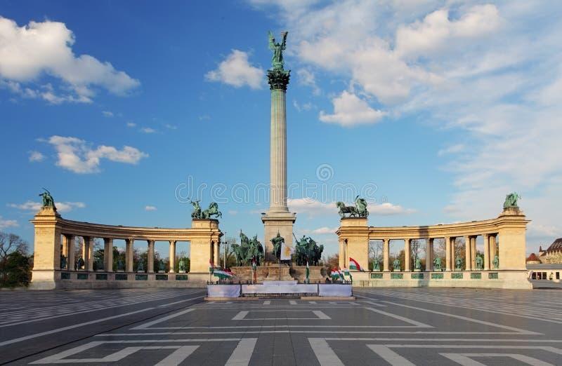 De helden regelen in Boedapest, Hongarije royalty-vrije stock afbeelding