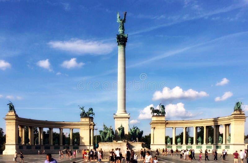 De helden regelen in Boedapest, Hongarije royalty-vrije stock foto's