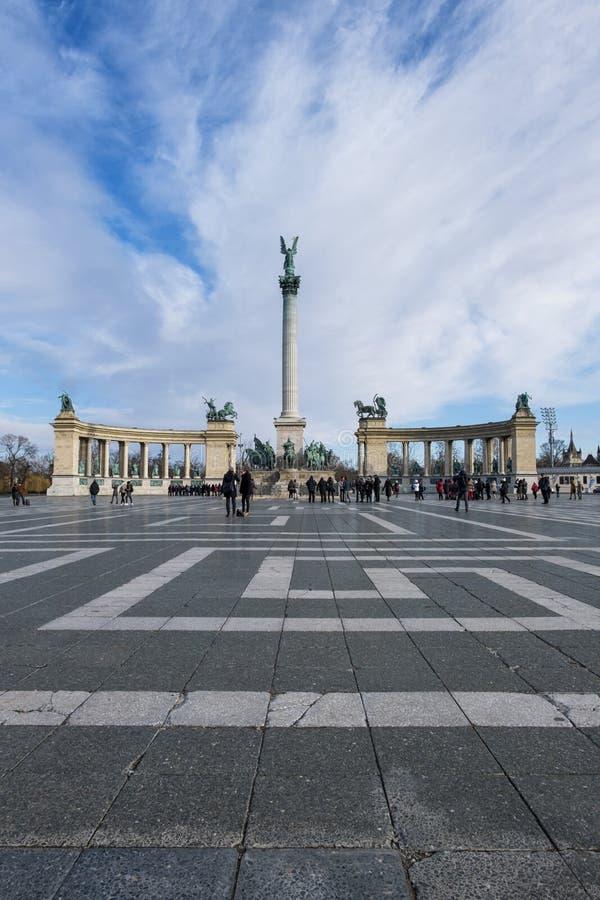 De heldenvierkant van Boedapest stock afbeeldingen