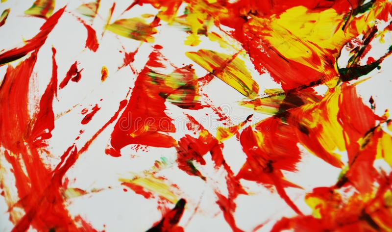 De heldere rode zwarte gele kleuren, vage het schilderen waterverfachtergrond, vatten het schilderen waterverfachtergrond samen stock fotografie