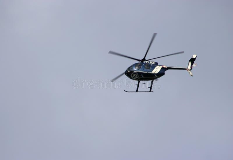 Download De Helikopter Van De Politie Stock Afbeelding - Afbeelding bestaande uit vlucht, helikopter: 28413