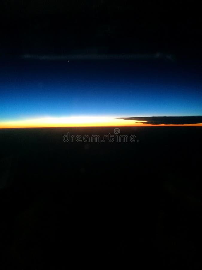 De hemel van de avondzonsondergang met glanzende Venusplaneet royalty-vrije stock foto