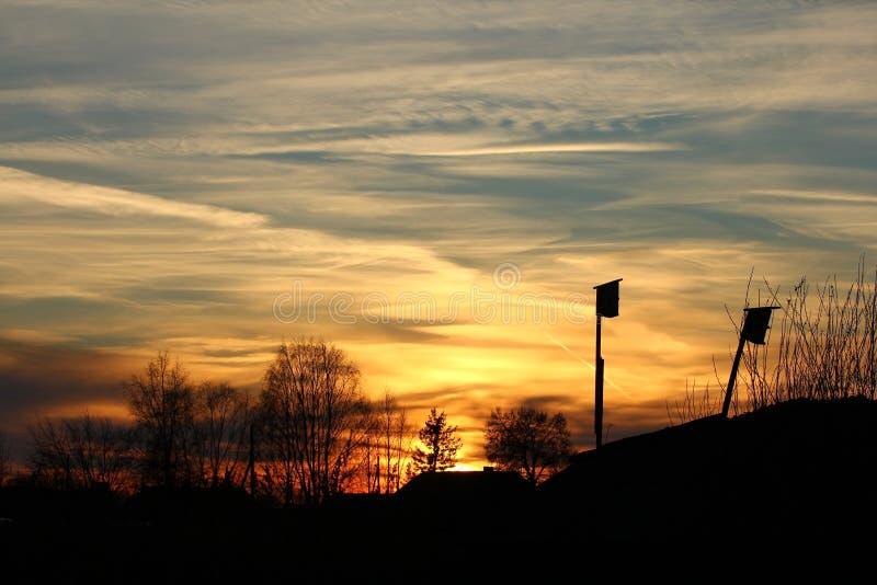 Download De hemel van de winter stock foto. Afbeelding bestaande uit ijzig - 107701910