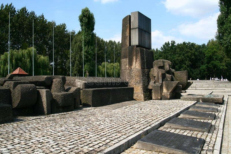 Download De Herdenkingsplaats Van Auschwitz Redactionele Stock Foto - Afbeelding bestaande uit gevangenis, omheining: 10782963