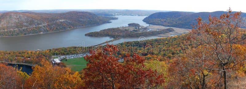 De herfst draagt lucht de meningspanorama van de Berg royalty-vrije stock foto's