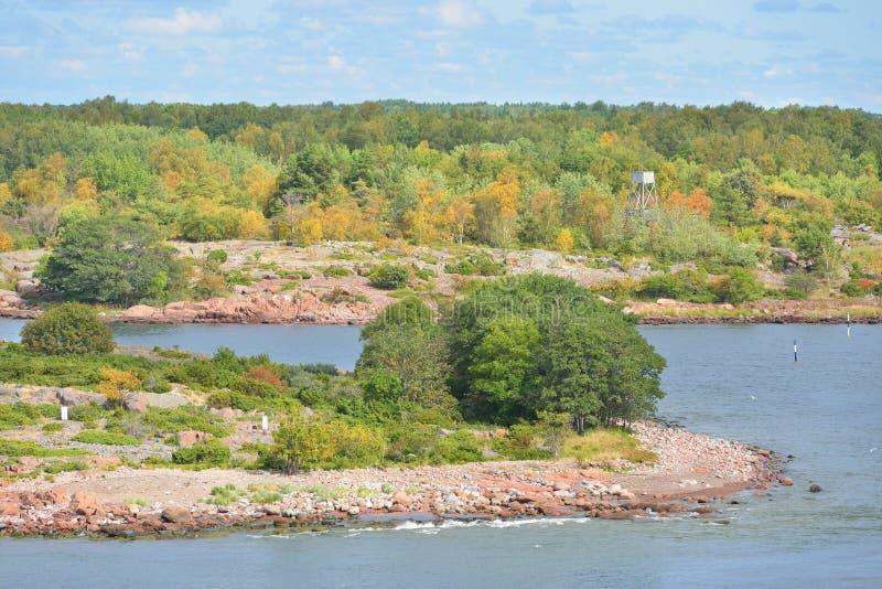 De herfst Eiland in archipel van Aland-Eilanden stock afbeelding
