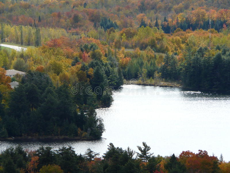 De herfst in Elliot Lake royalty-vrije stock fotografie