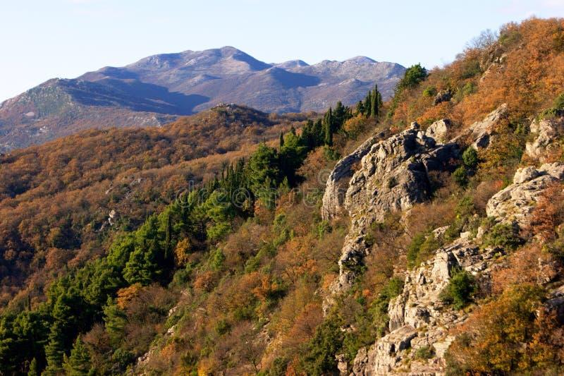 De herfst in het massief Orjen (Montenegro) stock afbeelding
