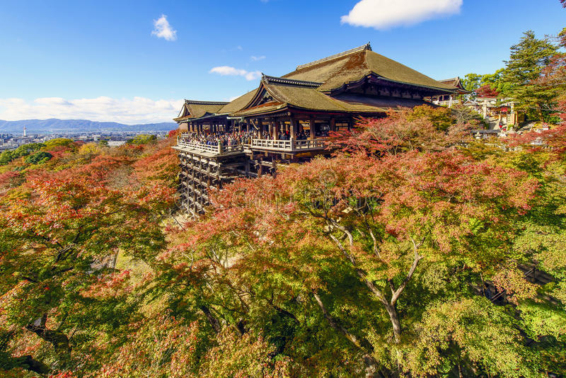 De herfst in Kiyomizu-Tempel, Kyoto, Japan royalty-vrije stock foto's