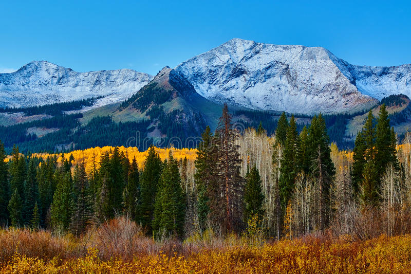 De herfst langs Pas Kebler royalty-vrije stock afbeeldingen