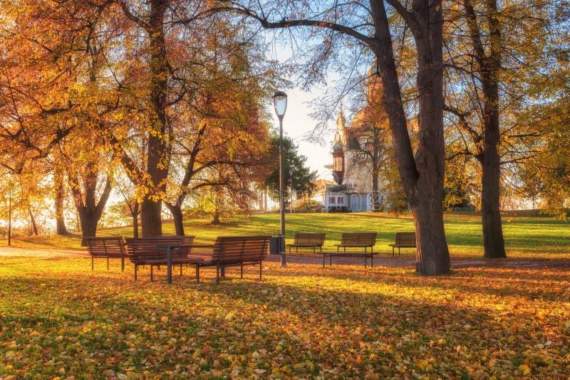De herfst in Praag, de favoriete van het parkletenske van Letna van de toeristenbestemming sady, Tsjechische Republiek royalty-vrije stock foto