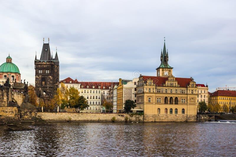 De herfst in Praag, Tsjechische Republiek, Europa royalty-vrije stock afbeeldingen
