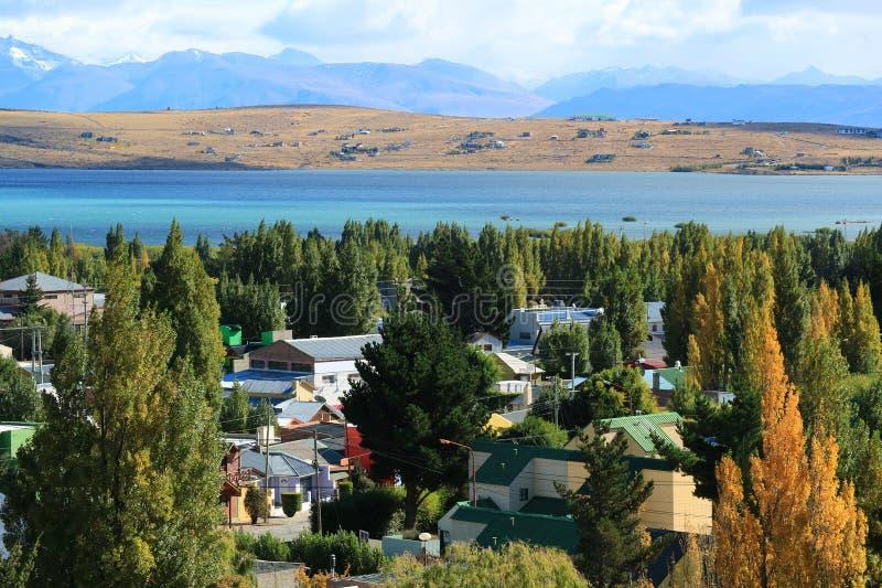 De herfst van Gr calafate, de Stad op de Kust van Argentino Lake, Patagonië, Argentinië, Zuid-Amerika royalty-vrije stock fotografie