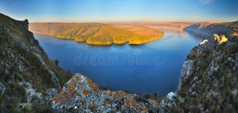 De herfstcanion schilderachtige de herfstochtend stock afbeelding