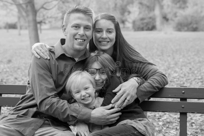 De herfstfamilie stock foto's