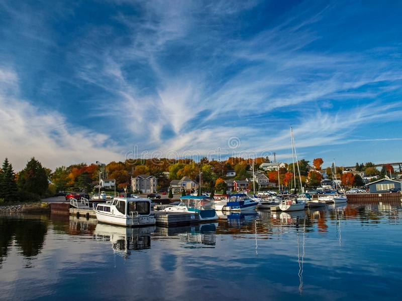 De herfstlandschap op Meer Huron royalty-vrije stock foto