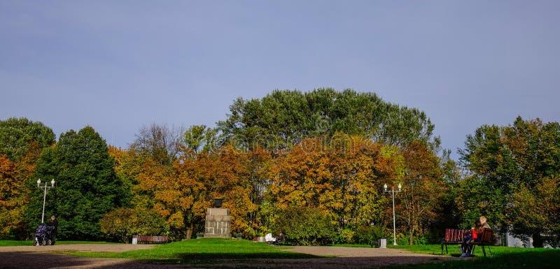 De herfstlandschap van Vyborg, Rusland stock foto's