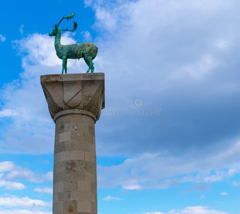 De herten van Rhodos in de ingang van de haven royalty-vrije stock afbeeldingen