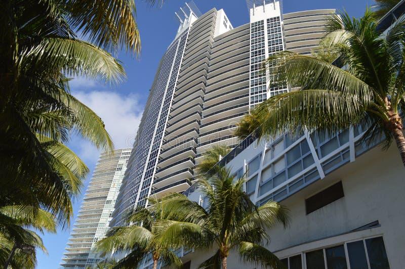 De het Flatgebouw met koopflatsbouw van Muranogrande, het Strand van Miami, Florida royalty-vrije stock foto's