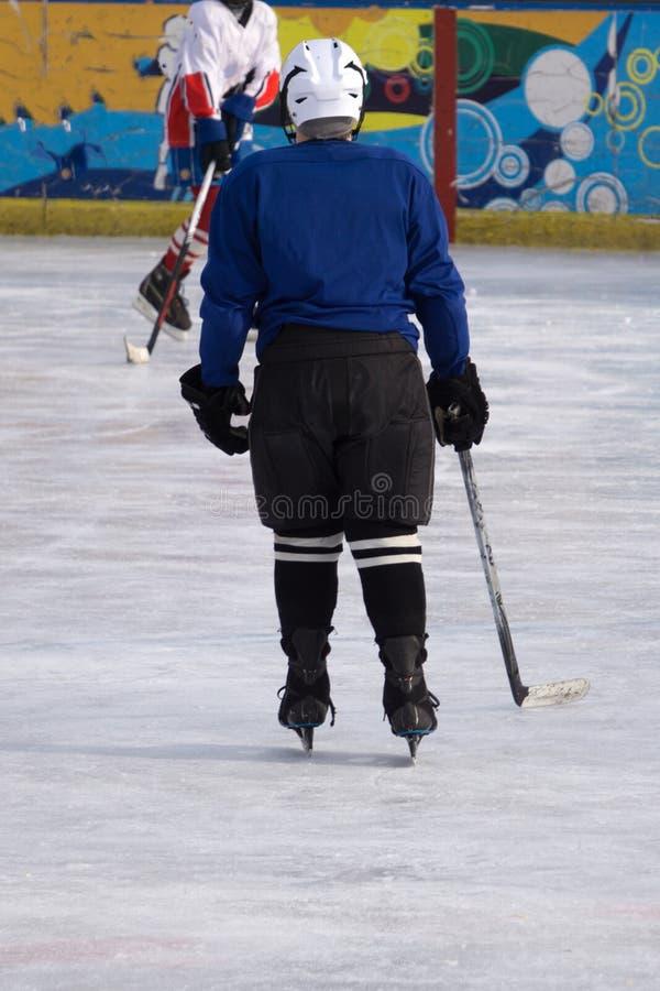 De het hockeyspelers van de straatkunst is de perfecte plaats voor gangen door de achterstraten en royalty-vrije stock afbeeldingen