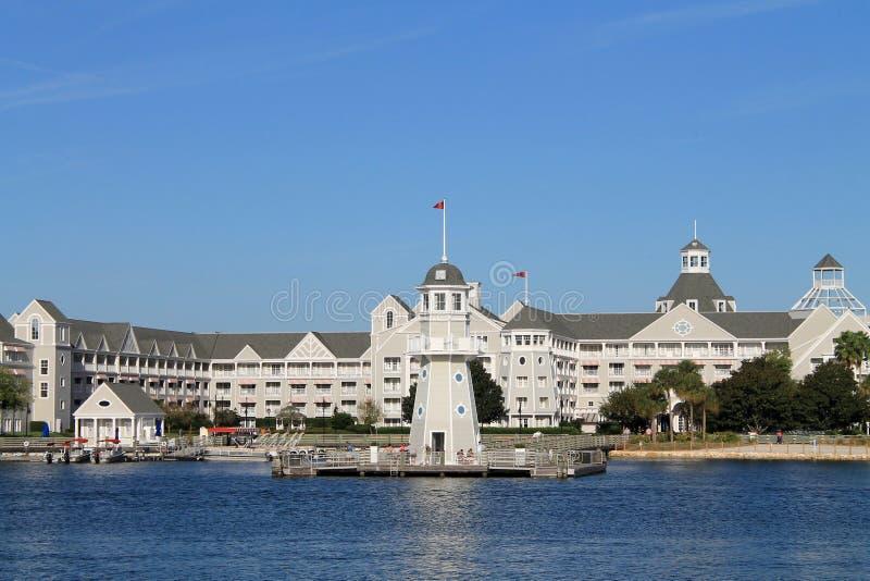 De het Hotelbouw van de waterkant in Florida stock afbeeldingen
