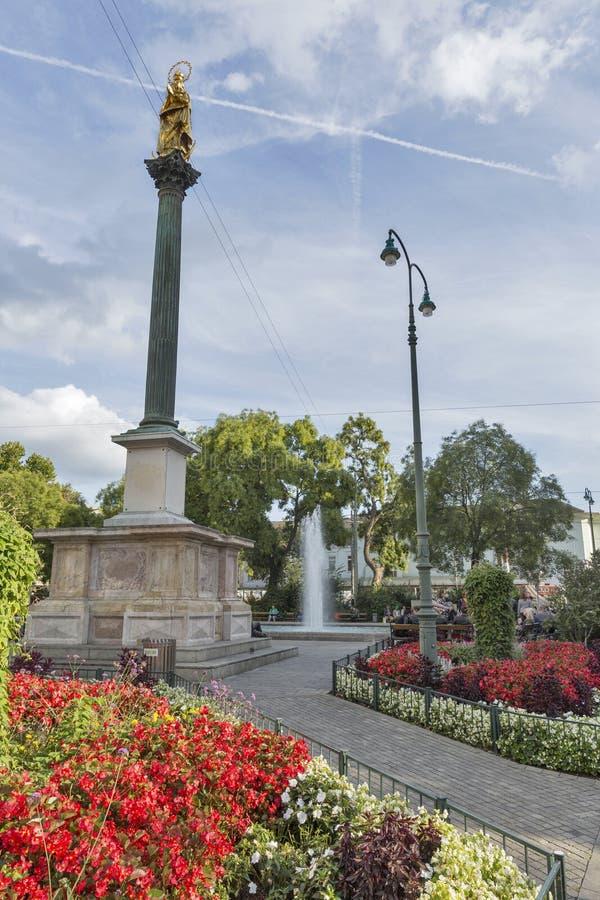 De het maagdelijke standbeeld en fontein van Mary in Graz, Oostenrijk royalty-vrije stock fotografie