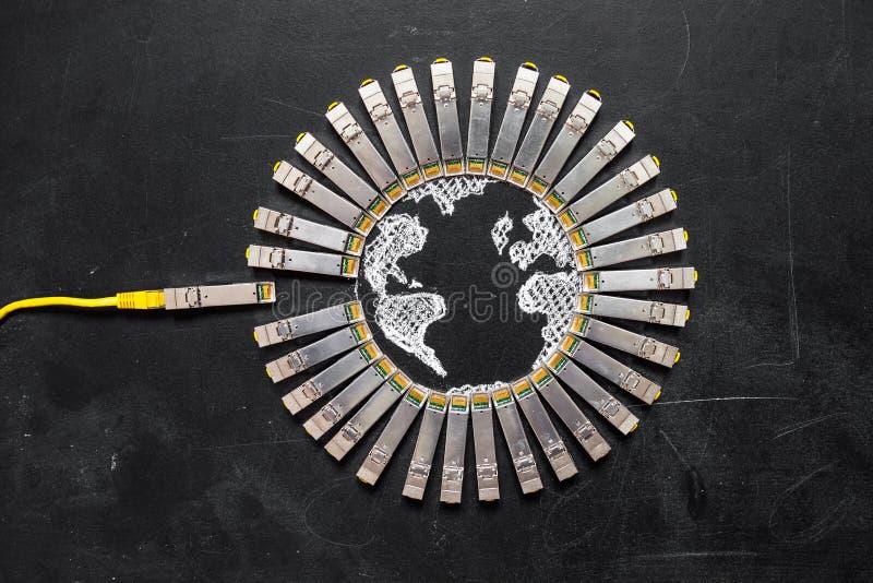 De het netwerkmodules van Internet SFP als vorm van Aarde en RJ45 ethernet telegraferen voor mededeling Concept I stock foto