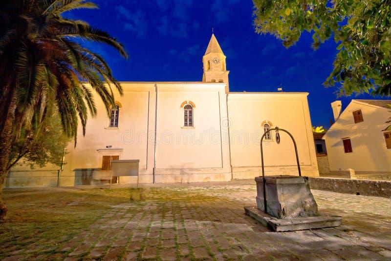 De het oude vierkant en kerk van Biogradna Moru royalty-vrije stock afbeelding