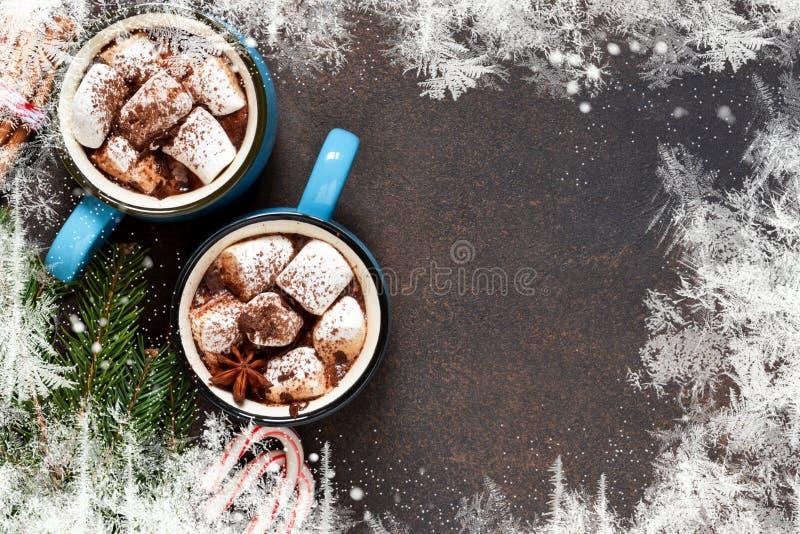 De hete chocolade is een traditionele de winterdrank Kerstmis backgroun royalty-vrije stock afbeelding