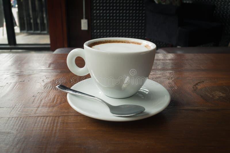 De hete Koffie van Cappuccino's stock afbeelding