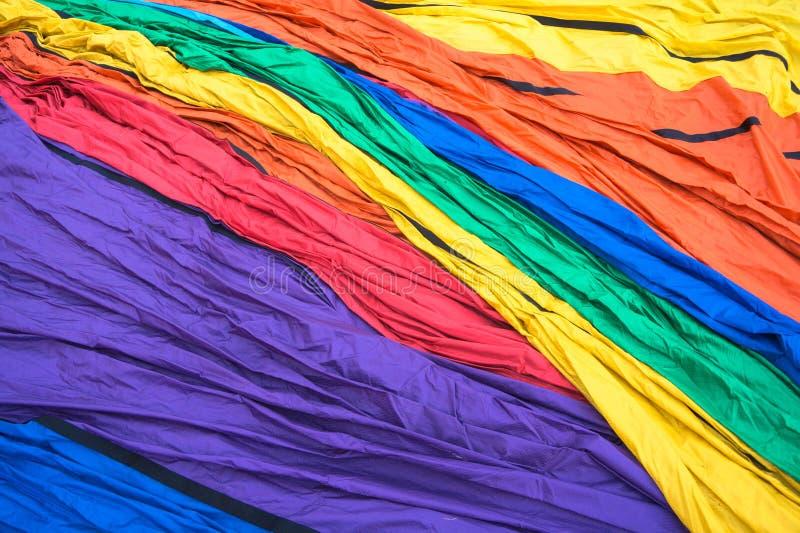 De hete luchtballon kleurde helder nylon materiaal stock afbeeldingen