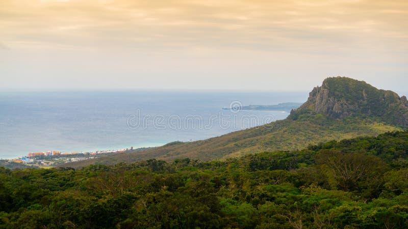 De heuvel van de Dajiansteen in nationale het parkmening van Kenting in Taiwan royalty-vrije stock fotografie