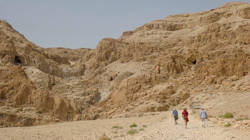 De heuvels bij qumran waar de dode overzeese rollen werden ontdekt royalty-vrije stock foto
