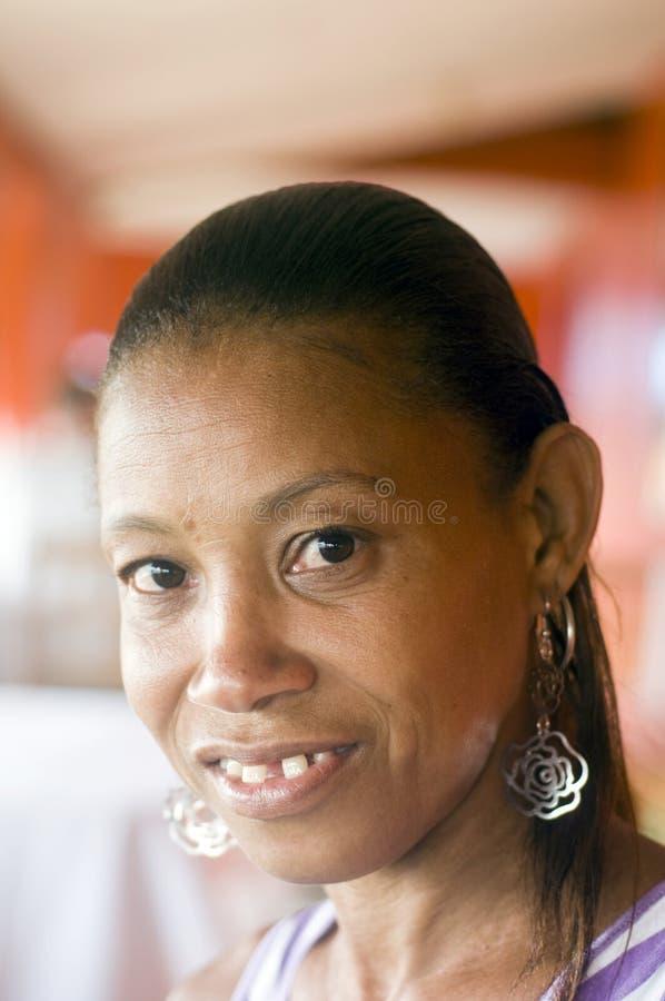 De hiaat-tanden van het de vrouwenportret van Nicaragua royalty-vrije stock afbeelding