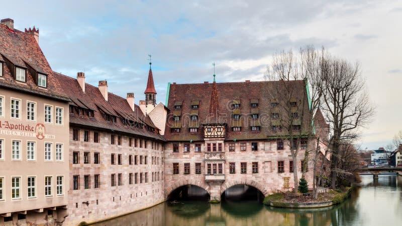 De historische Bouw van het Ziekenhuis van de Heilige Geest in Nuremberg stock foto