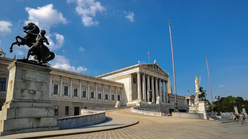 de historische bouw van parlament in centrum Wenen royalty-vrije stock afbeelding