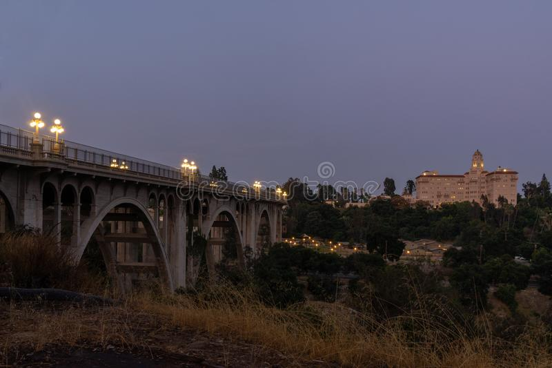 De historische colorado-brug in Pasadena, CA stock afbeelding