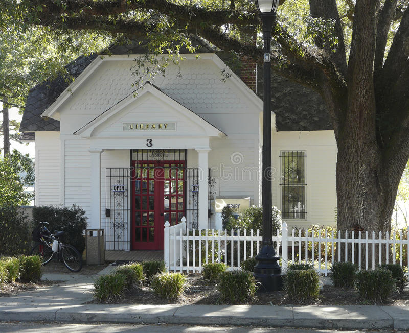 De historische DeFuniak-Bibliotheek van de Lentesflorida stock foto's