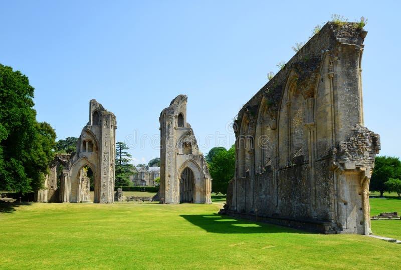 De historische ruïnes van Glastonbury-Abdij royalty-vrije stock foto