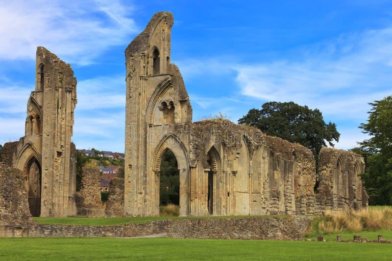 De historische ruïnes van Glastonbury-Abdij in Somerset, Engeland, het Verenigd Koninkrijk stock foto